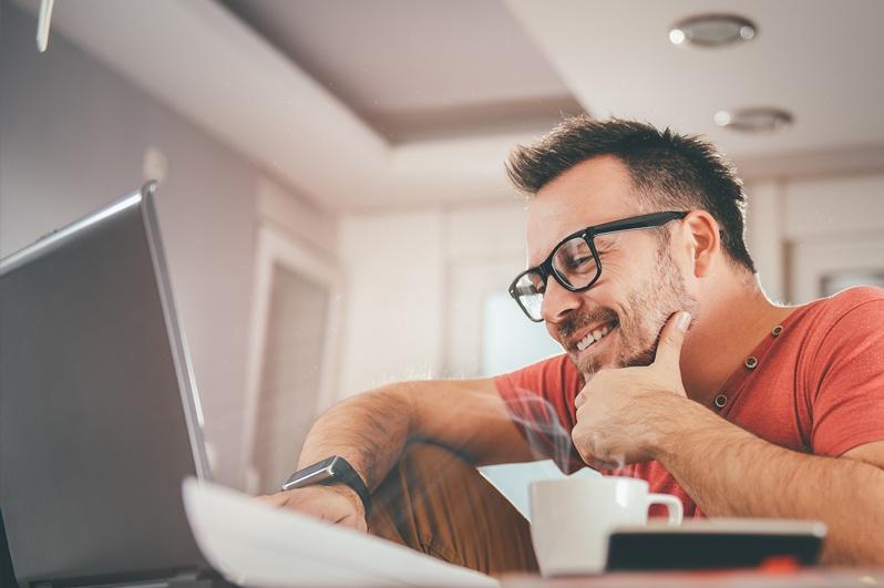 Man reading Blog